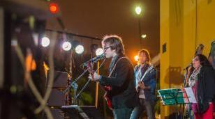 Tributo a Los Beatles en el Centro Cultural Marechal