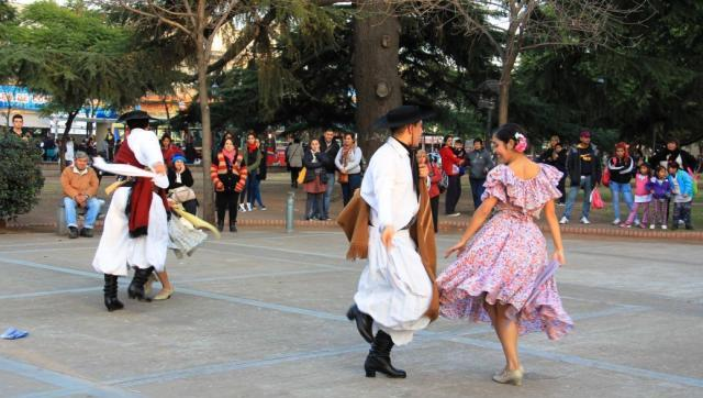 """Se concretó una nueva edición de """"Música en la Estación"""" en Moreno centro"""