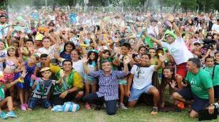 Zabaleta encabezó el cierre de las colonias de verano junto a más de cinco mil vecinos