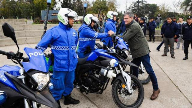 El Intendente entregó motos nuevas a la policía local