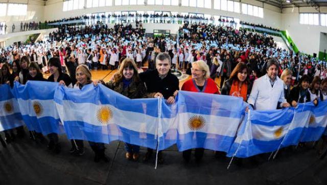 Se realizó la promesa de lealtad a la Bandera a más de 2000 chicos de cuarto grado