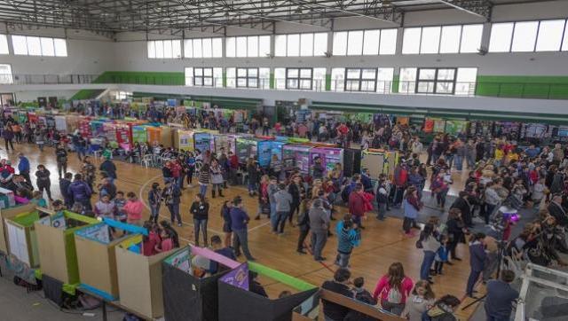 """Hurlingham fue sede de la """"Feria de Educación, Arte, Ciencia y Tecnología"""""""