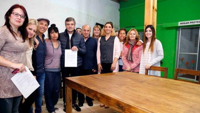 El Intendente recibió un reconocimiento del Juez de Paz por las políticas de género y niñez del municipio