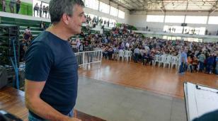 «María Eugenia Vidal no quiere llevar a Macri ni en la caja de una camioneta»
