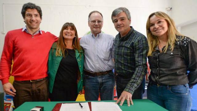 Zabaleta firmó un convenio con el Centro de Rehabilitación San Juan de Dios para ampliar el servicio de salud del Distrito