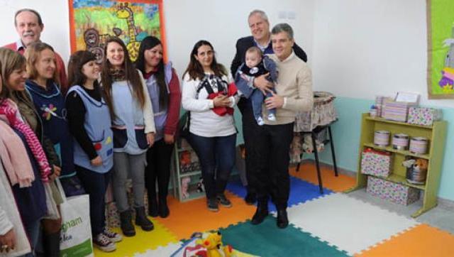 Primera sala maternal dentro de una escuela secundaria en Hurlingham
