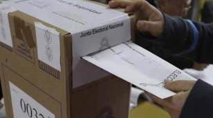 Distrito por distrito, los candidatos que competirán por las intendencias en la zona Oeste