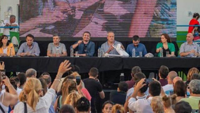 Zabaleta y Máximo Kirchner cerraron el IV Congreso de Economía Política en la UNHAUR