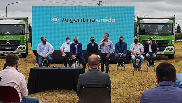 Zabaleta, Ferraresi, Katopodis e intendentes del conurbano firmaron convenios para la construcción de viviendas