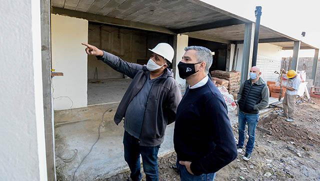 Zabaleta supervisó el reinicio de las obras del Jardín Nº 902 y de la Escuela Técnica Nº 3